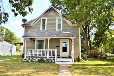 Gardner Single Family Home For Sale: 131 E Park Street