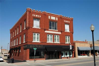 Independence Commercial For Sale: 124 S Main Street