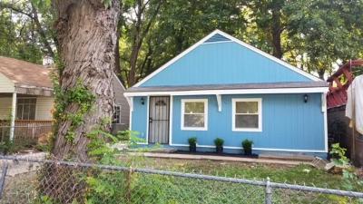 Single Family Home For Sale: 7104 Flora Avenue