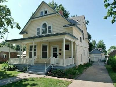 Brown County Single Family Home For Sale: 209 Shawnee Street