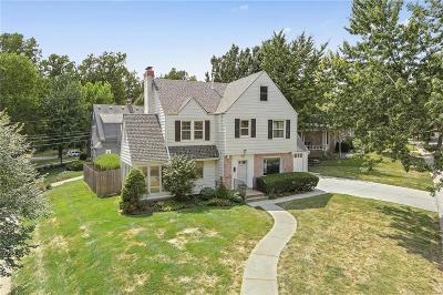 Kansas City Single Family Home For Sale: 111 W 68th Street