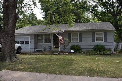 Topeka Single Family Home For Sale: 3105 SW McClure Road