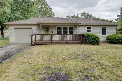 Olathe Single Family Home For Sale: 862 S Sheridan Circle