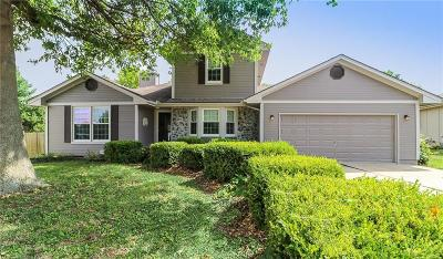 Blue Springs Single Family Home For Sale: 1121 SW Trail Ridge Drive