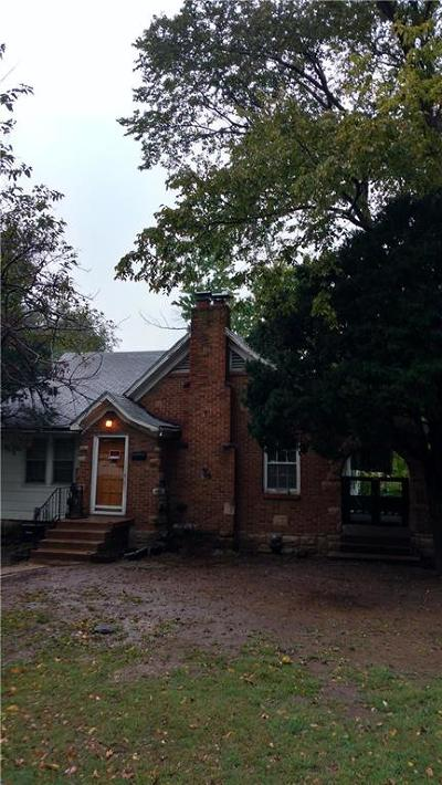 Kansas City KS Single Family Home For Sale: $65,000