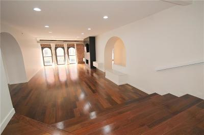Condo/Townhouse For Sale: 308 W 8th Street #100