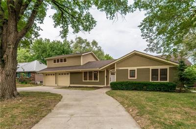 Overland Park Single Family Home For Sale: 9543 Chadwick Drive