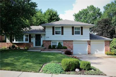 Overland Park Single Family Home For Sale: 5612 W 92nd Terrace