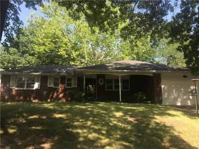 Single Family Home For Sale: 5928 Haskell Avenue