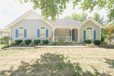 Blue Springs Single Family Home For Sale: 114 SE Williamsburg Drive