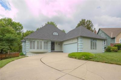 Blue Springs Single Family Home For Sale: 3720 SW Kimstin Circle