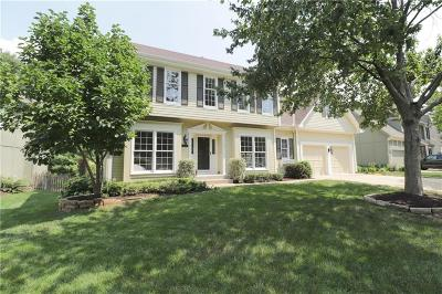 Overland Park Single Family Home For Sale: 15501 Beverly Court