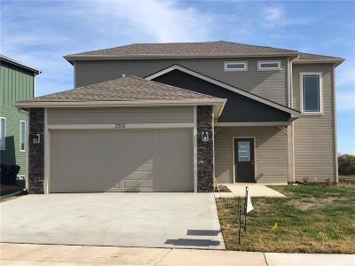Lawrence Single Family Home For Sale: 2513 Chasehire Drive