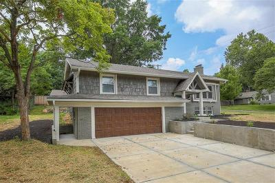 Overland Park Single Family Home For Sale: 9900 Linden Street