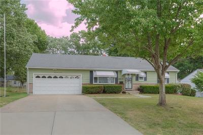 Gladstone MO Single Family Home For Sale: $133,900