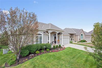Olathe Single Family Home For Sale: 11436 S Deer Run Street