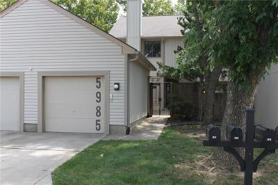 Gladstone Condo/Townhouse For Sale: 5985 N Bellefontaine Avenue