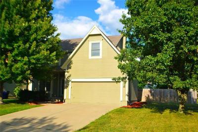 Olathe Single Family Home For Sale: 15715 S Apache Street