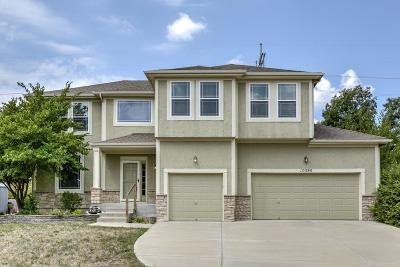 Olathe Single Family Home For Sale: 10580 S Millstone Street