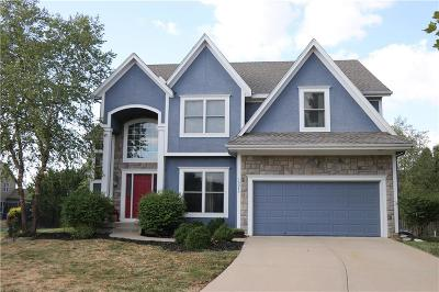 Olathe Single Family Home For Sale: 16245 S Lennox Street