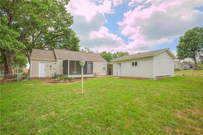 Kansas City MO Single Family Home For Sale: $125,000