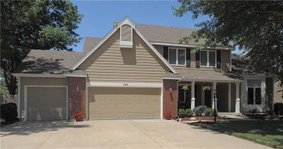 Lawrence Single Family Home For Sale: 915 Summerfield Court