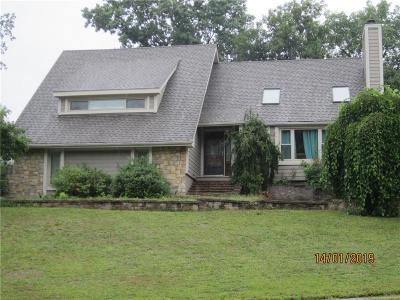 Liberty Single Family Home For Sale: 1100 Jackson Drive
