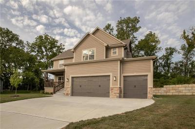 Grain Valley Single Family Home For Sale: 1402 Burr Oak Court