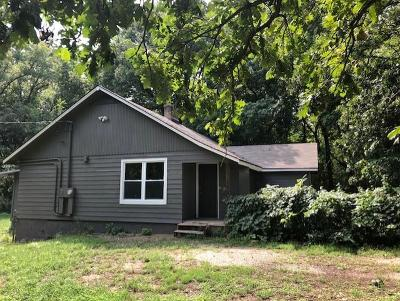 Lawrence Single Family Home For Sale: 1057 N 1750 Road