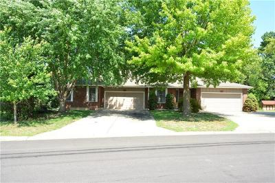 Harrisonville Multi Family Home Contingent: 2320 Twin Oaks Drive