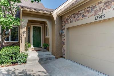 Olathe Condo/Townhouse For Sale: 13913 S Summit Street