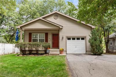 Kansas City Single Family Home For Sale: 8207 Walnut Street