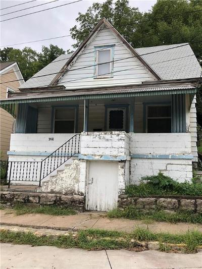 Excelsior Springs Single Family Home For Sale: 104 S Kansas City Avenue