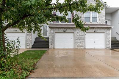 Gardner Condo/Townhouse For Sale: 669 S Woodson Lane