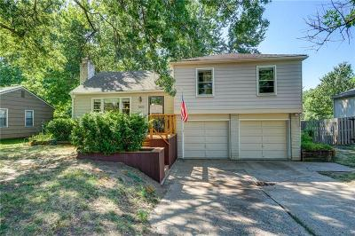 Prairie Village Single Family Home For Sale: 7629 Colonial Drive