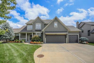 Leawood Single Family Home For Sale: 13215 Windsor Street