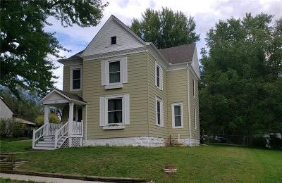 Liberty Single Family Home For Sale: 215 E Pine Street
