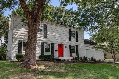 Single Family Home For Sale: 10007 Oakridge Drive