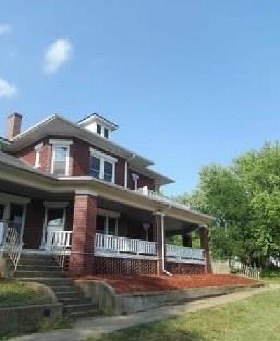 Stewartsville Single Family Home For Sale: 902 West Street