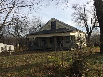 Warrensburg Single Family Home For Sale: 624 W Gay Street