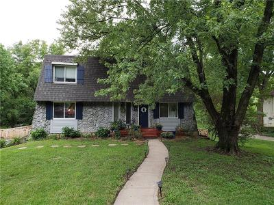 Parkville Single Family Home For Sale: 9309 NW Pleasant Drive
