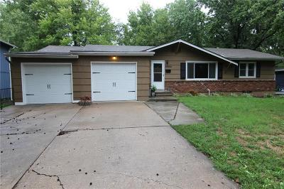 Shawnee Single Family Home For Sale: 10902 W 71st Place