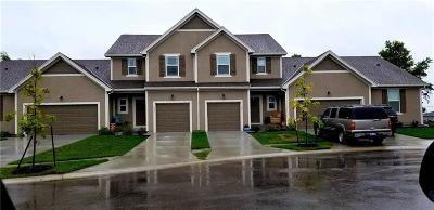 Gardner Condo/Townhouse For Sale: 721 W Shawnee Court