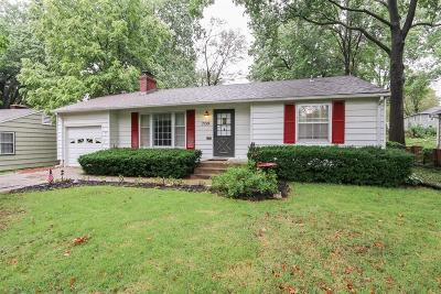 Prairie Village Single Family Home For Sale: 7159 Cherokee Drive
