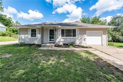 Raytown Single Family Home For Sale: 9612 E Gregory Boulevard