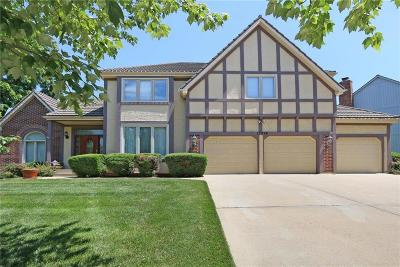 Lenexa Single Family Home For Sale: 13924 W 76th Circle