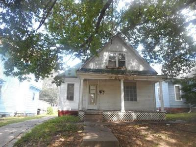 Single Family Home For Sale: 2715 Lafayette Street
