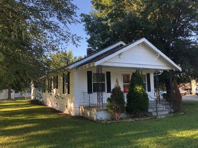 St. Clair County Single Family Home For Sale: 616 W 4th Street