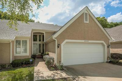 Overland Park Condo/Townhouse For Sale: 12212 Grant Lane