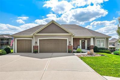 Kansas City Single Family Home For Sale: 8901 NE 95th Court